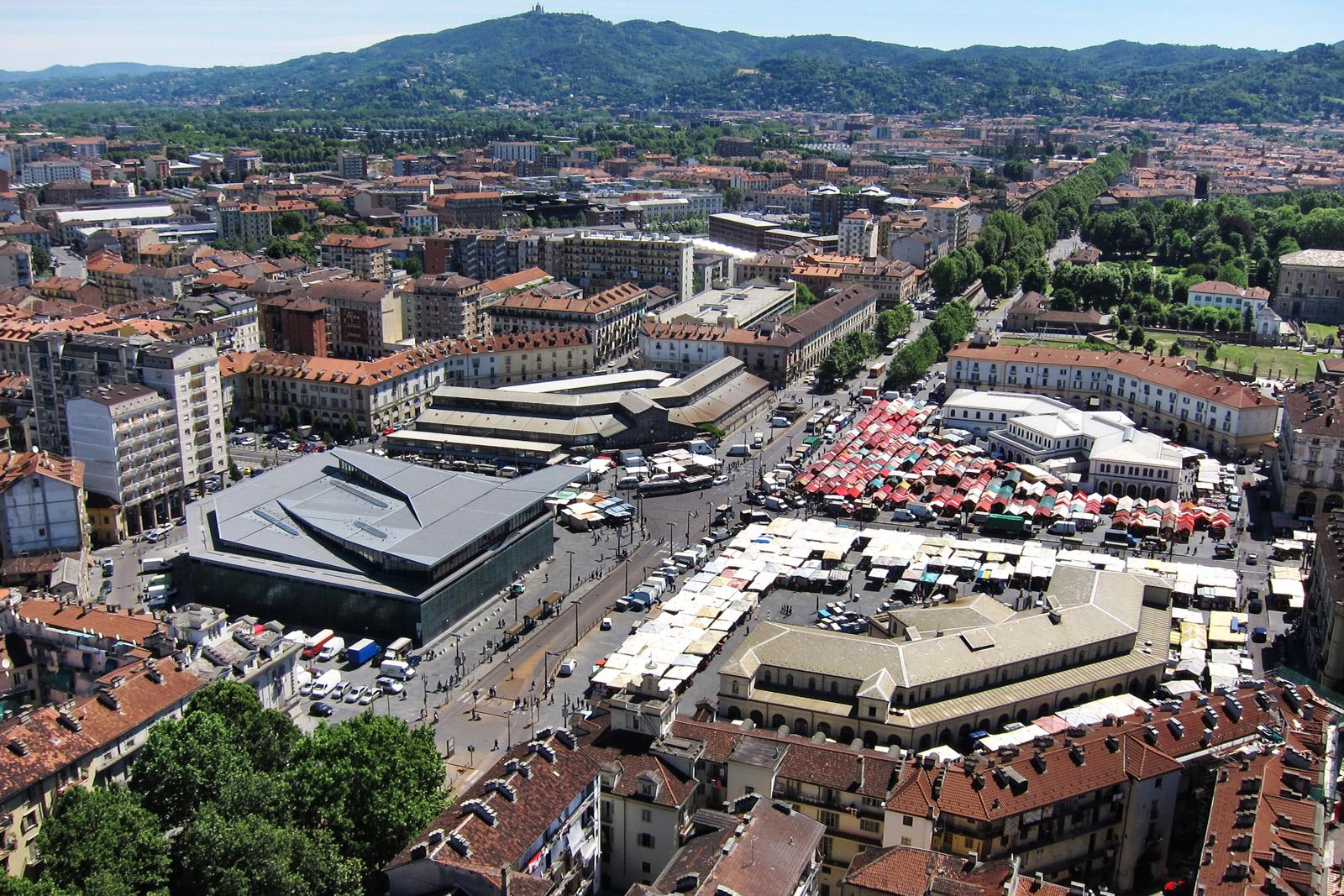 la piazza e il mercato scopri porta palazzo